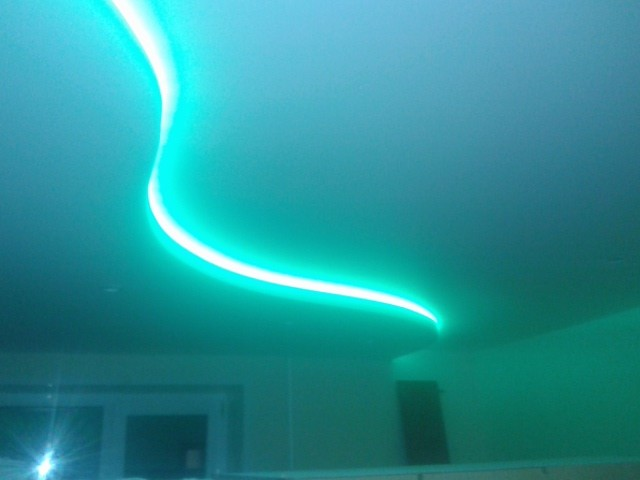 Зеленая гамма для натяжных потолков