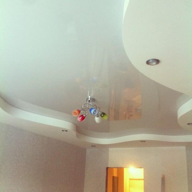 Натяжные потолки: разновидности, преимущества и технология монтажа